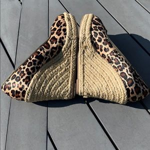✨🥳HP✨Nine West Cheetah Wedges Size 7.5